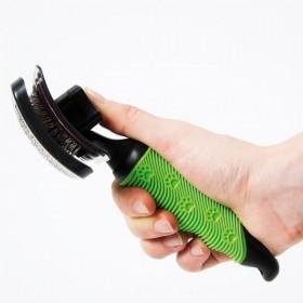 Cardatore auto-pulente con manico antiscivolo